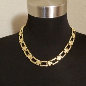 Jewelry - Gold Tone Chain Link Necklace